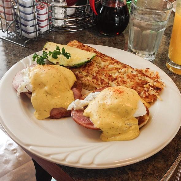 Peg's Glorified Ham n Eggs Menu - Roseville, CA - Foodspotting