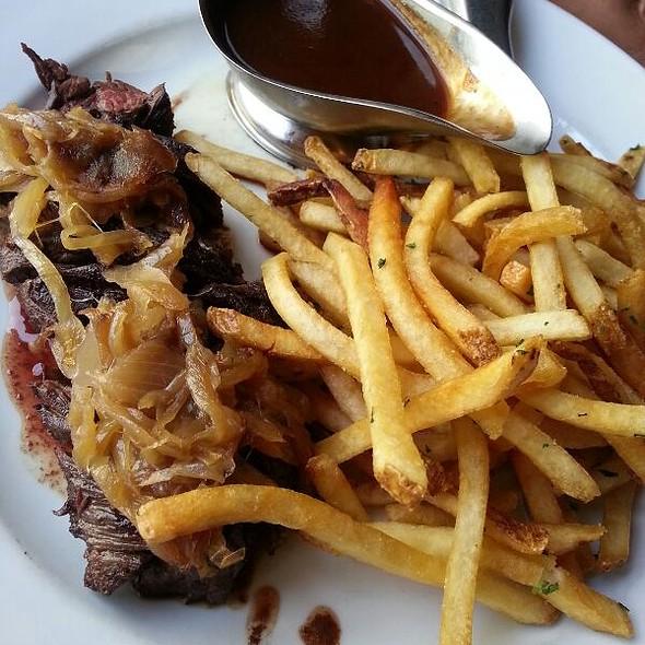 Steak-Frites @ Café de la Presse