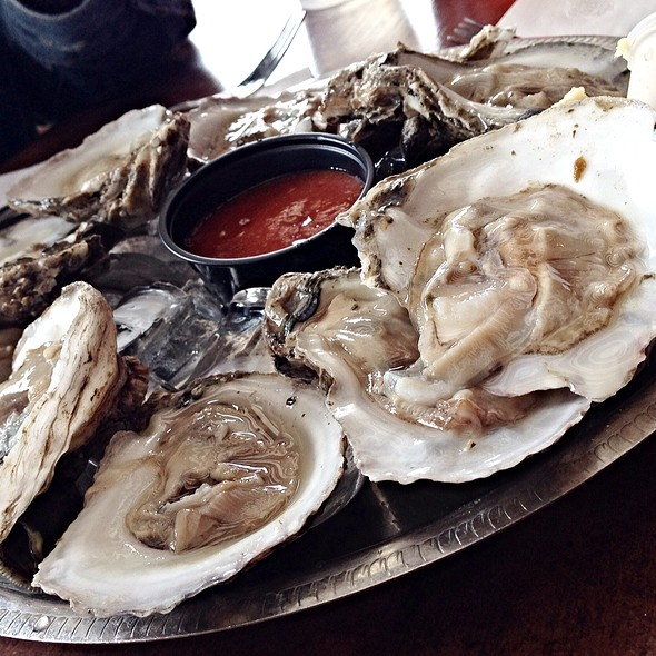 Blue Point Oysters @ Middleton Tavern