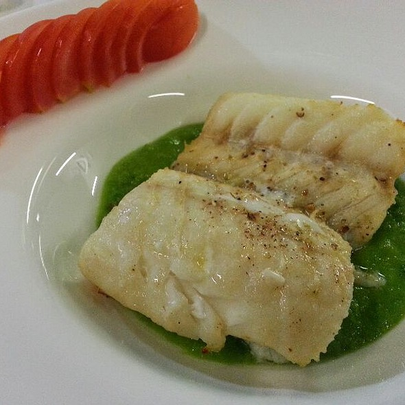 Filettone Di Baccalà Ai Piselli E Cipollotti Confit