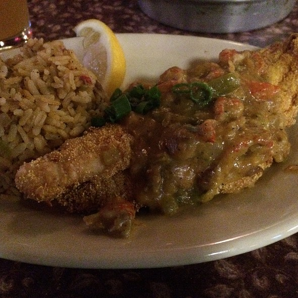 Smothered Catfish @ Howes Bayou