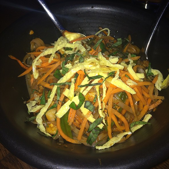 shrimp pad thai - Sampan - Philadelphia, Philadelphia, PA