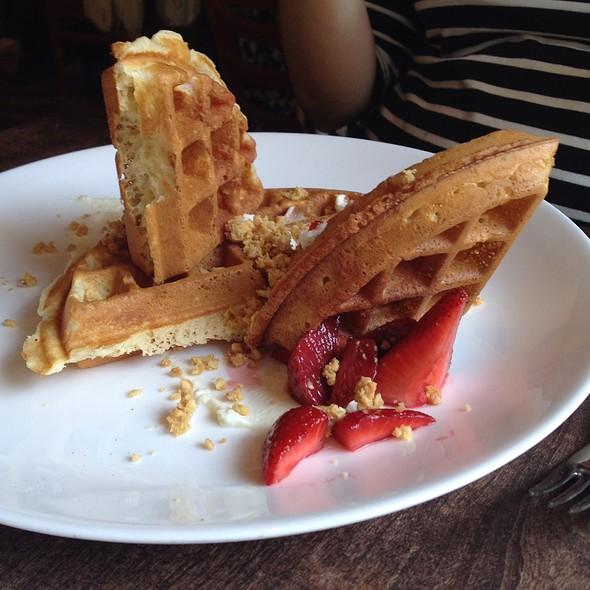 Belgian Waffle @ Ela