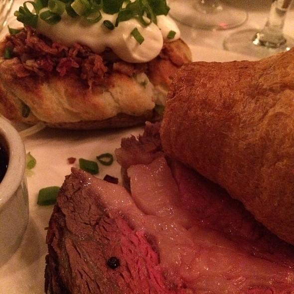 Prime Rib Carvery Platter (16Oz) - Hy's Steakhouse Encore, Vancouver, BC