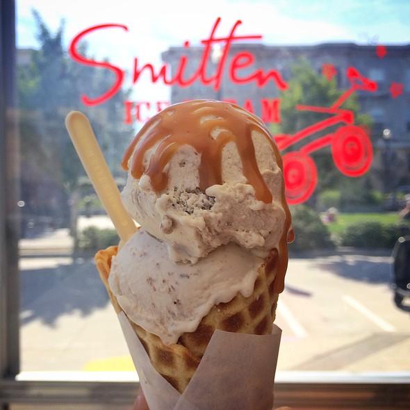 Rhubarb Crisp Ice Cream @ Smitten Ice Cream