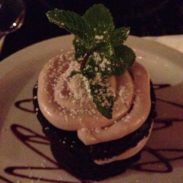 Vegan Devil's Food Cake @ Royal Tavern