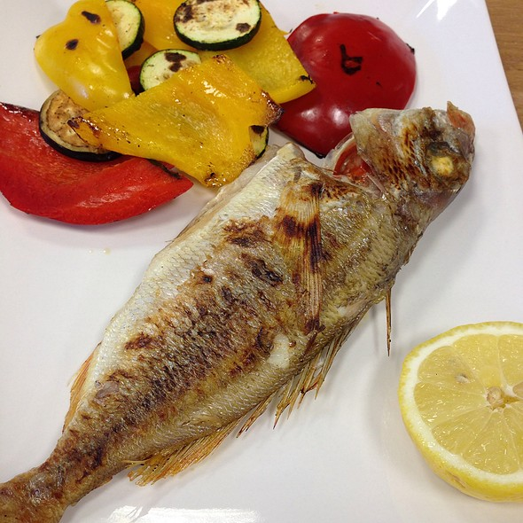 Grilled Mousmoulia @ Raionul De Pește
