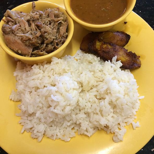 Arroz con Habichuelas @ Rice & Beans Cocina Latina