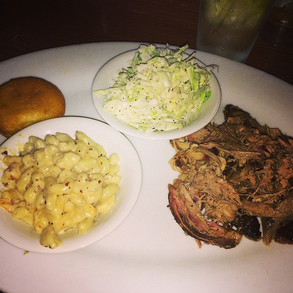 Pulled Pork, Macaroni Cheese And Coleslaw