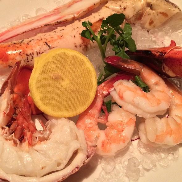 Bones Chilled Seafood Platter - Bones, Atlanta, GA