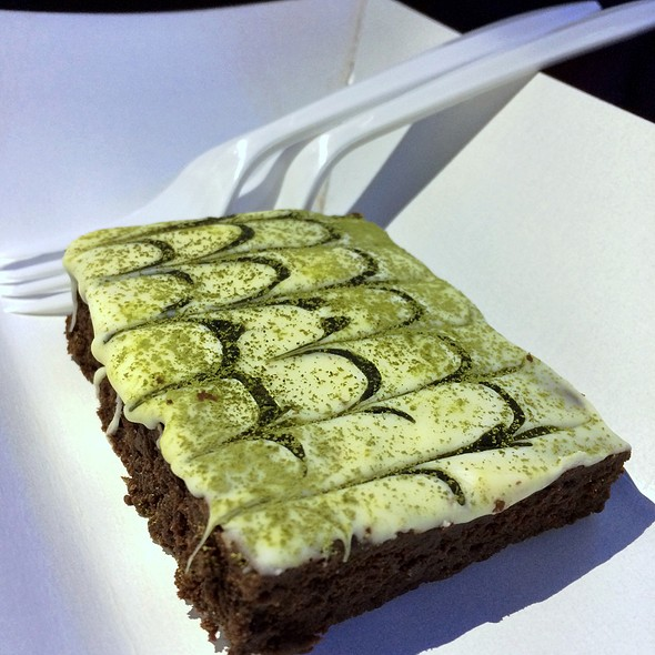 Matcha Green Tea Brownie @ Kichen Covo