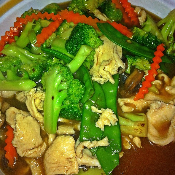 Pad Broccoli With Chicken