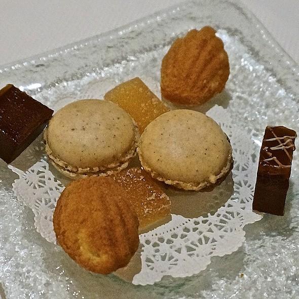 Mignardise – hazelnut macarons, madeleines, peach pâtes de fruits, chocolate caramel - Les Nomades, Chicago, IL