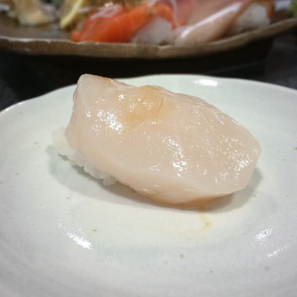 Hotate Nigiri