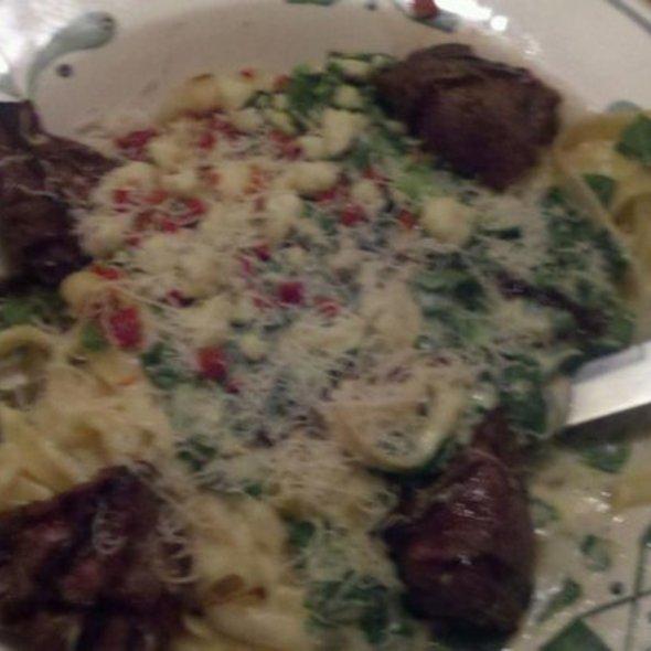 steak and alfredo pasta @ Olive Garden