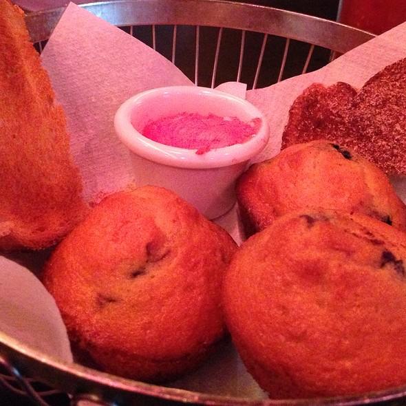 Brunch Basket - Hi-Life Restaurant & Lounge - Upper East Side, New York, NY