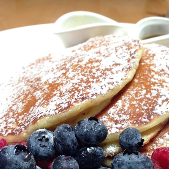 Lemon and Ricotta Pancakes / レモンリコッタパンケーキ @ Sarabeth's Lumine Shinjuku (サラベス ルミネ新宿店)