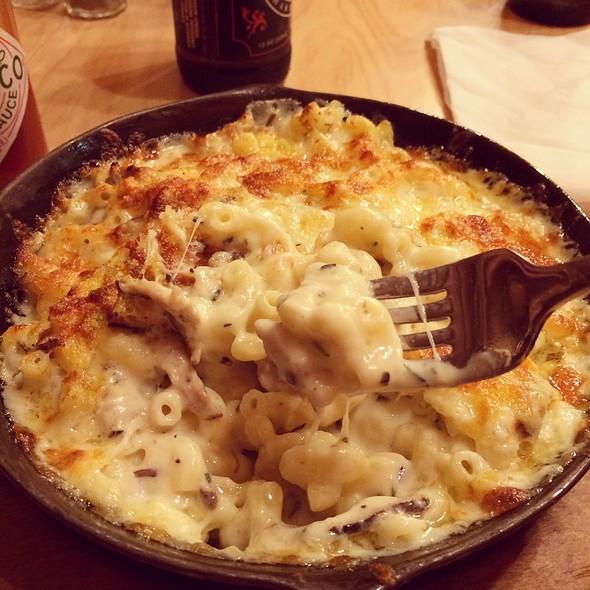 Parisienne Mac 'n Cheese