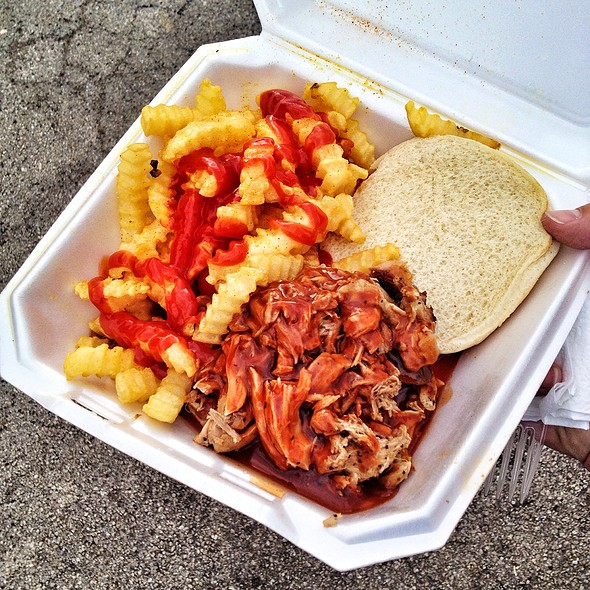 Pulled Pork Sandwich @ Straight Off The Grill Bbq Food Truck