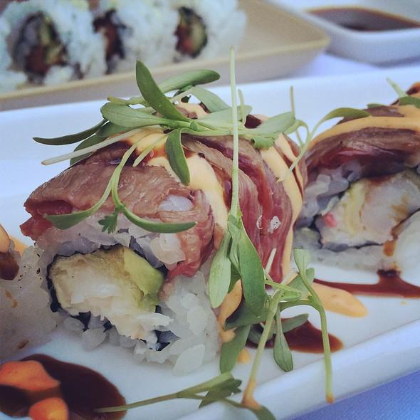 Wagyu Beef And Shrimp Tempura Roll