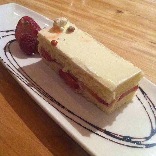 strawberry shortcake - Ritz Bar - Ritz Carlton Toronto, Toronto, ON