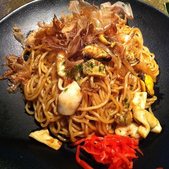 Stir-Fry Seafood Noodle