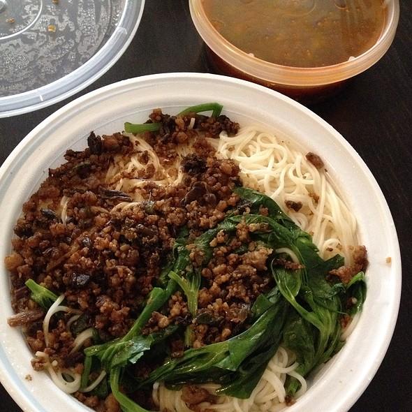 Dandan Noodle @ E Mei Restaurant