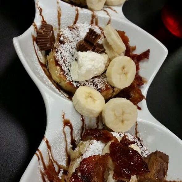 Reese's Cup Pancakes @ Super Chefs Breakfast & More