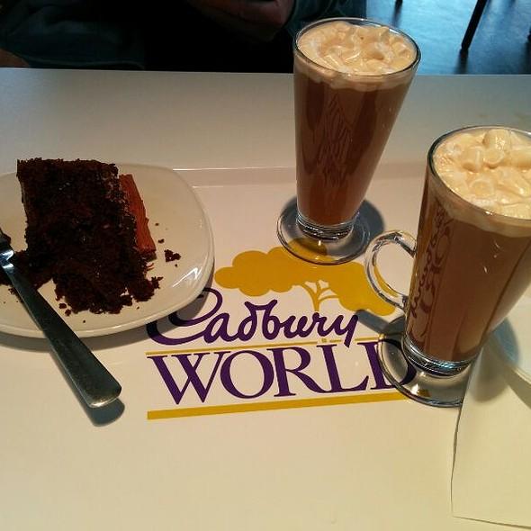 Hot Chocolate & Fudge Cake @ Cadbury World