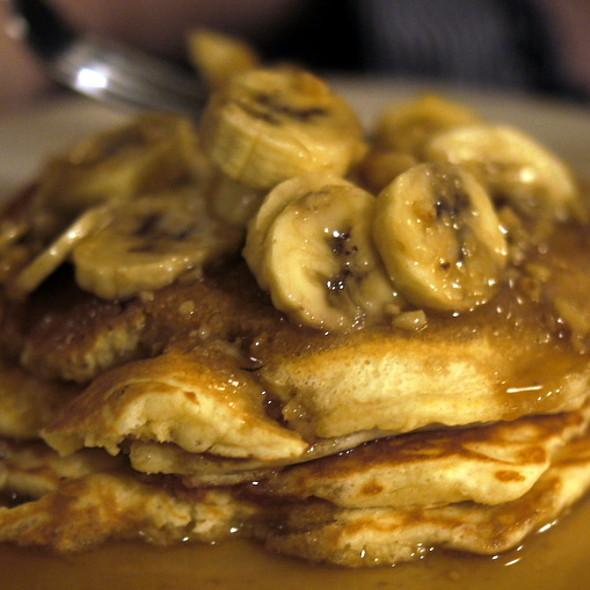 Banana Pancakes @ Chez Moi