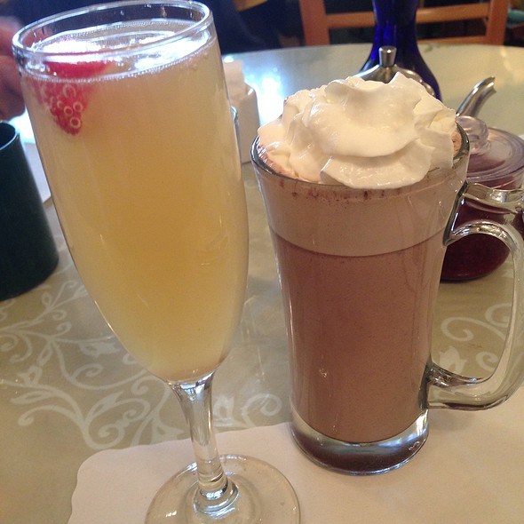 Apple & Peach Bellini + Hot Chocolate
