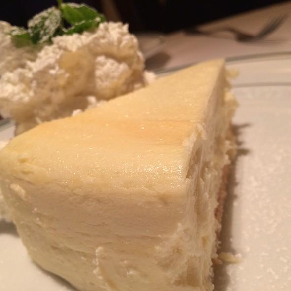 The Famous Junior's Cheesecake - ウルフギャング・ステーキハウス 六本木, 港区, 東京都