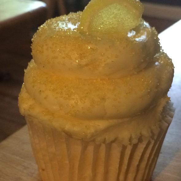 Lemon Cupcake @ Gigi's Cupcakes