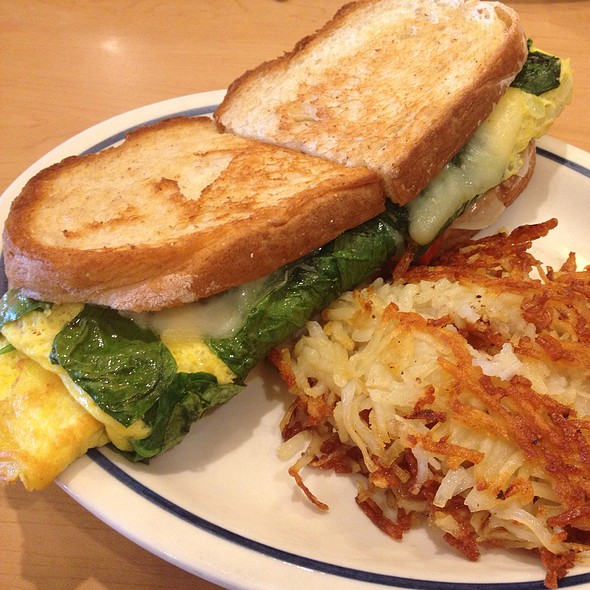 Spinach, Roasted Red Pepper And Cheese Sandwich @ IHOP Restaurant