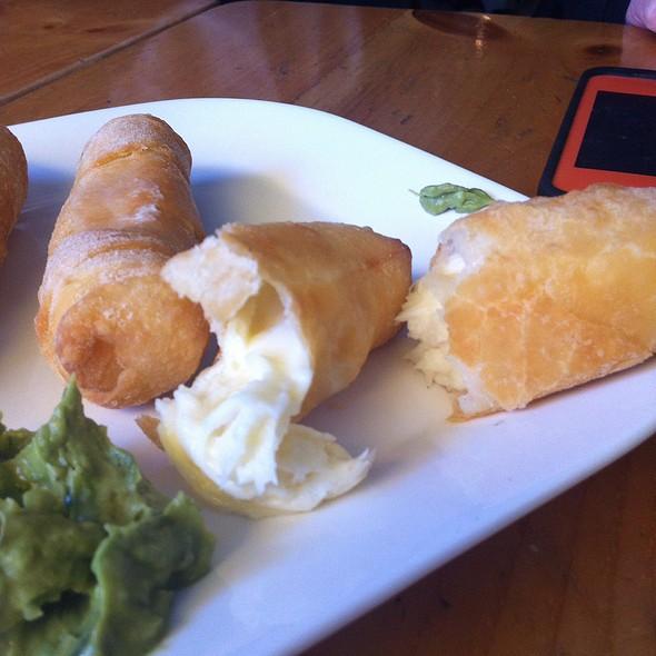 Tequeños Con Guacamole @ Arepa Café