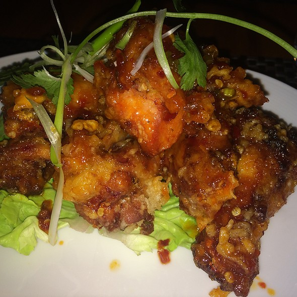 Spicy Chili Glazed Chicken Wings - Wolfgang Puck Bar & Grill, Las Vegas, NV