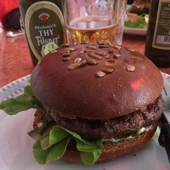 Burger On Rye @ Nose2Tail Diner