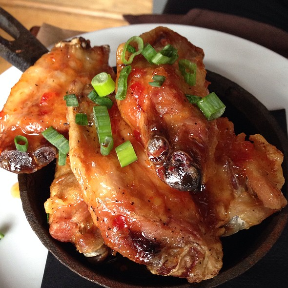 Chicken Wings With Sweet Chili Thai Sauce @ Small Plates Detroit