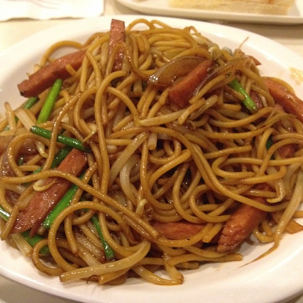 Fried Spaghetti With Spam @ Cha Chan Tang