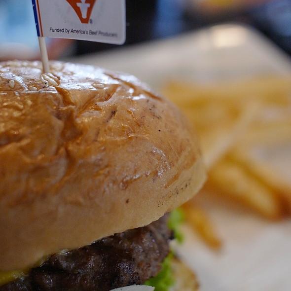 hamburger sandwich @ Meat Me Steak House & Butchery