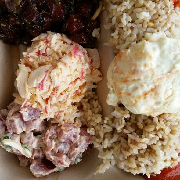 Poke Plate with Crab Salad @ Da Poke Shack