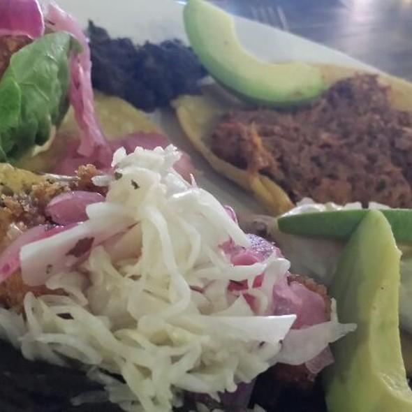 Set Of Tacos @ El Parnita