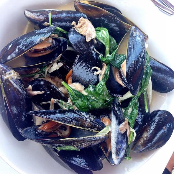 Steamed Carlsbad Mussels - Pacifica Del Mar, Del Mar, CA