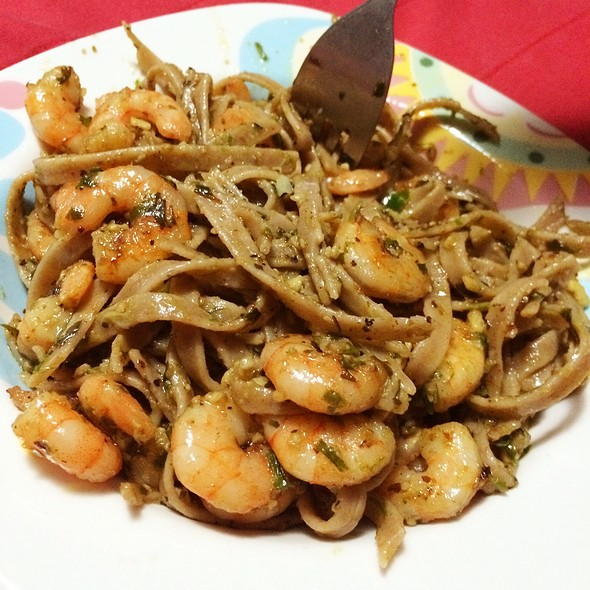 Pesto & Grilled Shrimp Pasta @ Rafaella Nunes' House