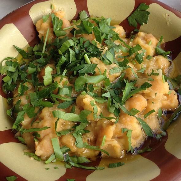 Hummus Balila @ Cafe Munir