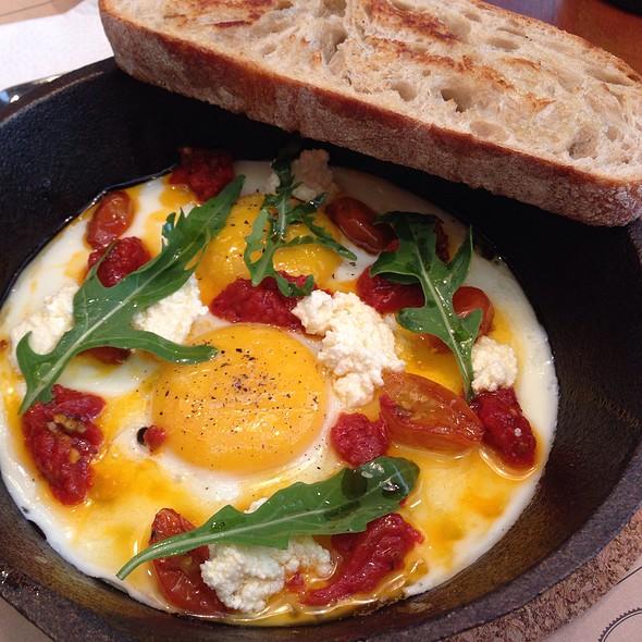 Eggs Traviata @ Toby's Estate Phil.