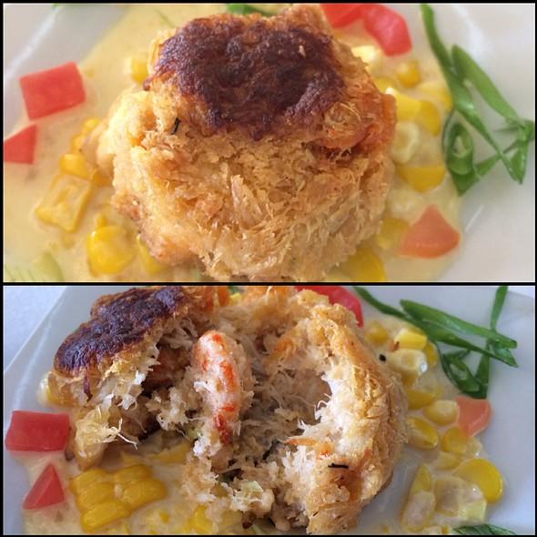 Crawfish And Crab Cakes