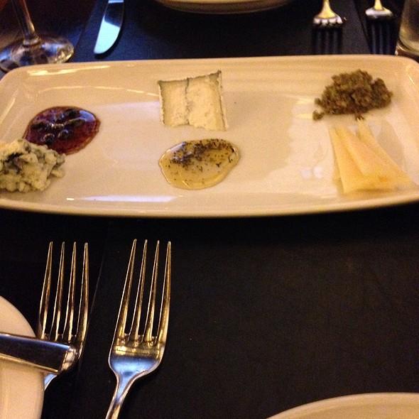 Cheese Plate - Mason Street Grill, Milwaukee, WI