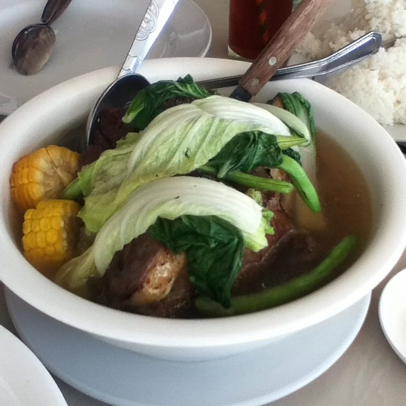 Beef Bulalo @ Leslie's Restaurant, Tagaytay