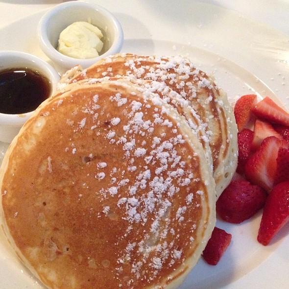 pancakes - Sarabeth's East, New York, NY